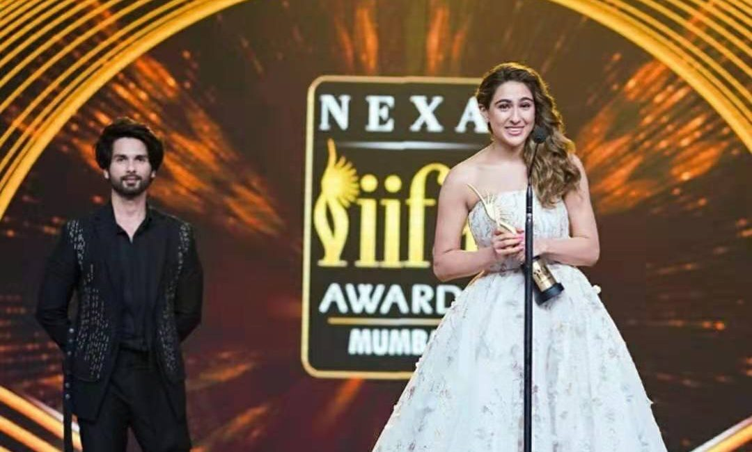 IIFA 2019: Celebs Put Their BEST Foot Forward, Check Out Who Rocked the Green Carpet!